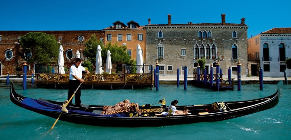 gondola massages on a boat in venice